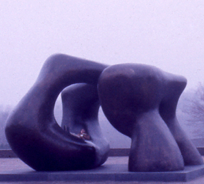 Image of Henry Moore sculpture at SUNY Purchase